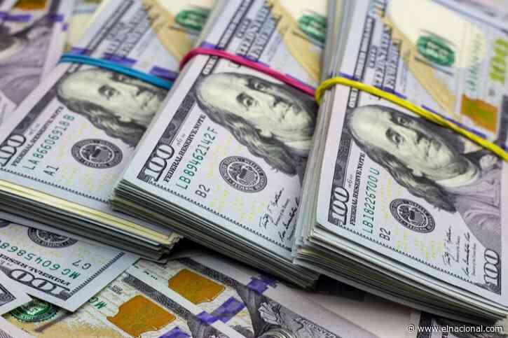 Dólar oficial acelera el paso y se acerca al paralelo: así se cotizan para este miércoles