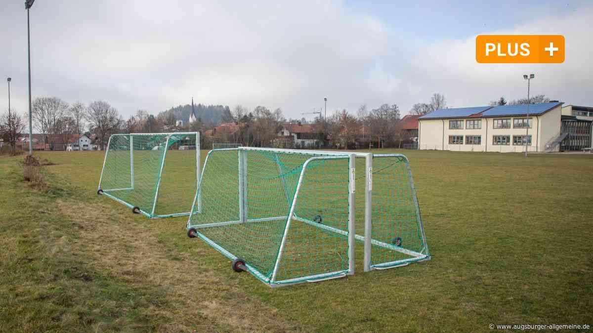 Ein Anbau und eine Sportanlage für die Schule in Rott