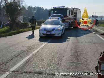 Due feriti in schianto tra auto a San Giorgio di Piano - Bologna 2000