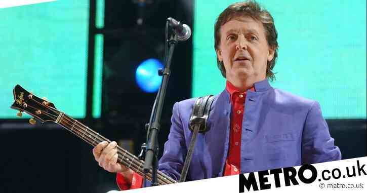 Sir Paul McCartney uses autocue to sing lyrics to classic songs as he gets distracted thinking about dinner