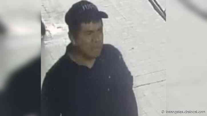 Police Searching For Suspect Wanted For Deadly Jewelry Store Stabbing, Robbery