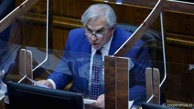 """Moreira comenzó """"vigilia"""" en el Congreso: """"Aquí me quedo hasta que el Senado apruebe el 10%"""""""
