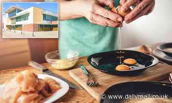 Woman awakes to female intruder frying chicken and eggs in her kitchen