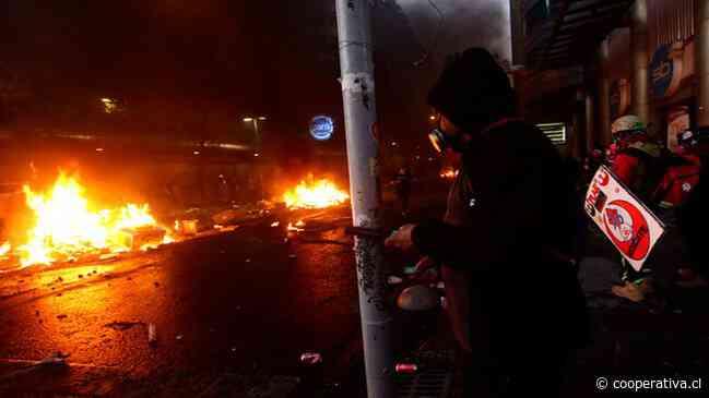 Severos incidentes marcan protesta contra Piñera y por la liberación de presos