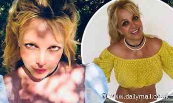 Britney Spears jokes that she looks like a vampire thanks to some eerie selfie lighting