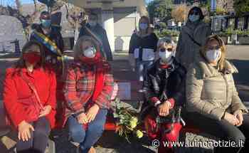 Anche Luino ha la sua panchina rossa contro la violenza sulle donne - Luino Notizie