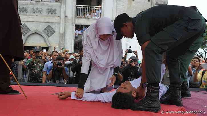 Indonesian man collapses during flogging for child rape
