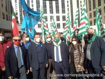 I sindacati protestano alla Cittadella e chiedono una svolta nel comparto sanità - Corriere della Calabria