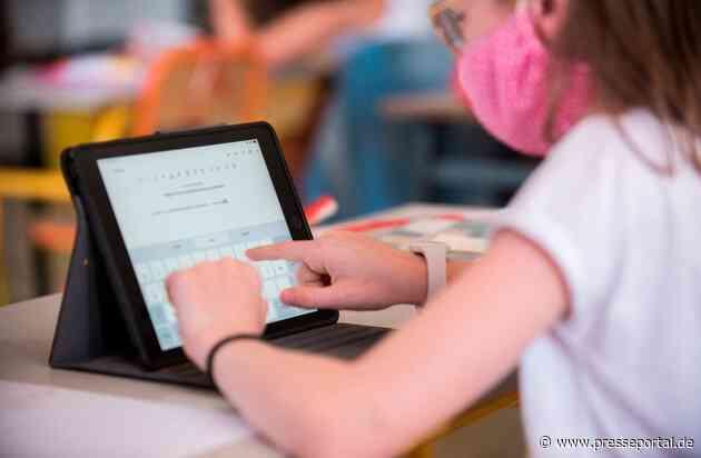 Digitaler Unterricht: Für Grundschulen kaum machbar / Das Gesundheitsportal baby-und-familie.de zeigt, vor welche Probleme digitaler Unterricht die Grundschullehrer stellt