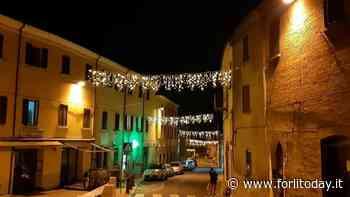 Si accendono le luminarie della Pro Loco: atmosfera natalizia a Bertinoro - ForlìToday