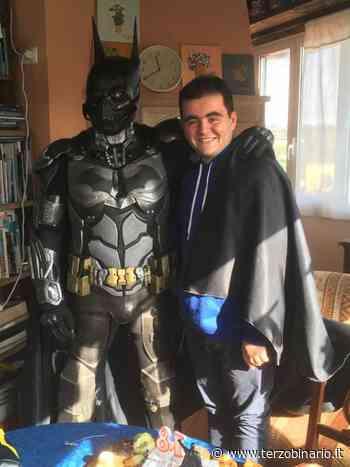 Festeggia i 18 anni con Batman a Cerveteri: il sogno di Gabriele si realizza - TerzoBinario.it