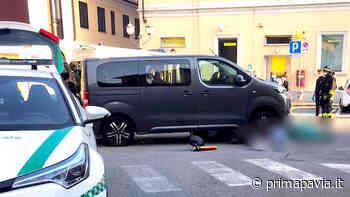 Donna muore investita da un mini van: inutili i soccorsi - Prima Pavia
