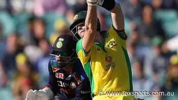 LIVE: Smith and Maxwell making a mess of India's all-star attack as Aussies pile on pain