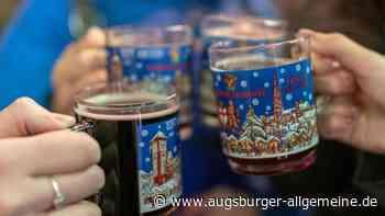 Zu siebt beim Glühwein trinken in Neuburg - Polizei verhängt Bußgeld