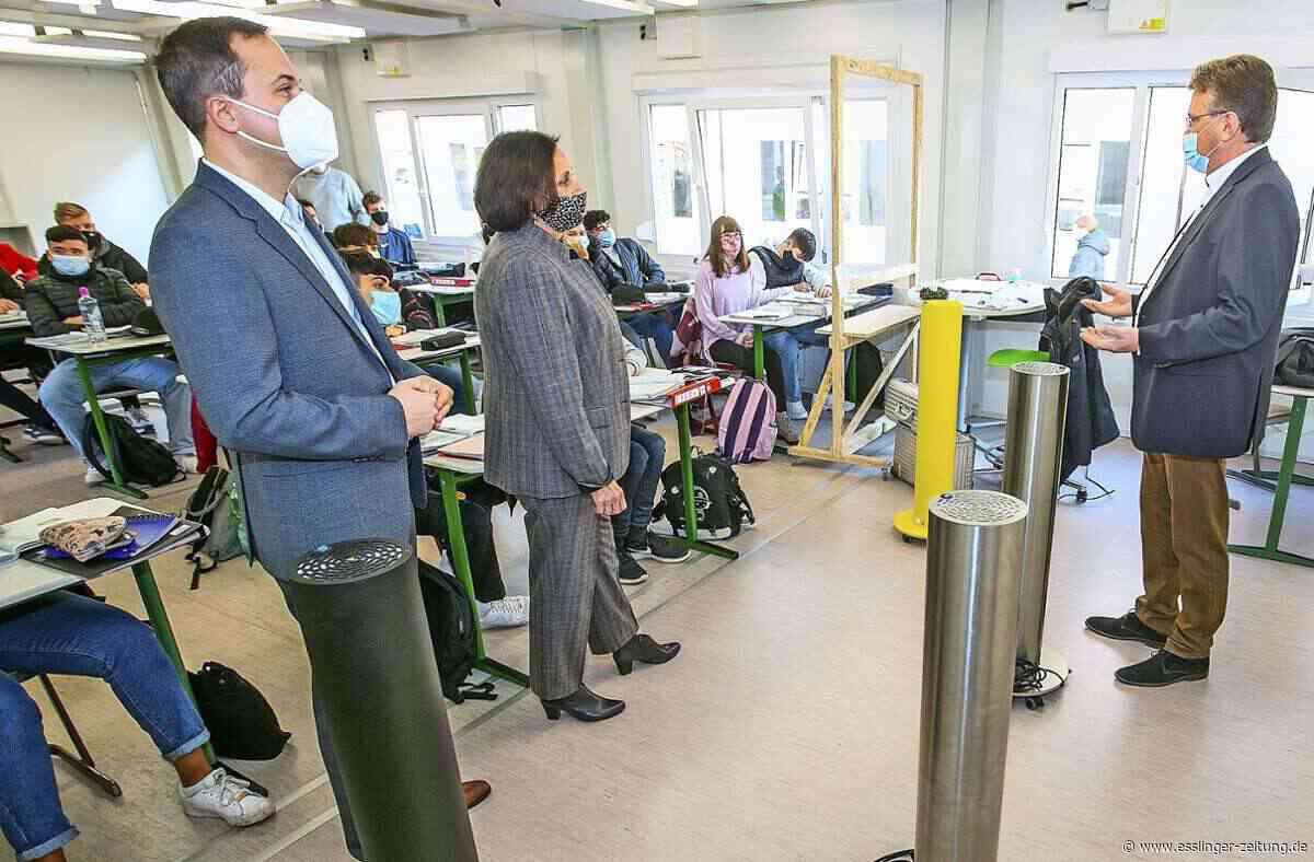 Unverhoffte Hilfe für Esslinger Zollberg-Realschule: Viren-Killer für das Klassenzimmer - esslinger-zeitung.de