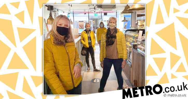 Four strangers left absolutely stunned as they all turn up at the same coffee shop wearing matching yellow coats