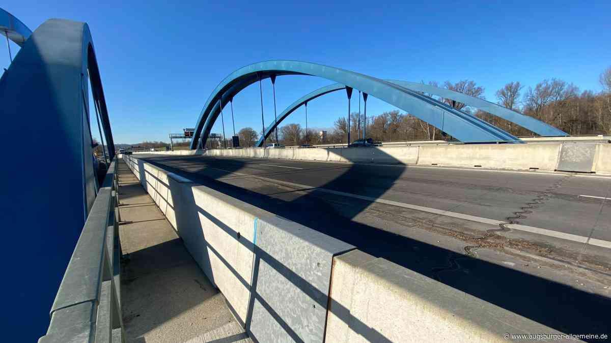 Die neue Brücke über die Amper bei Stegen ist fertig