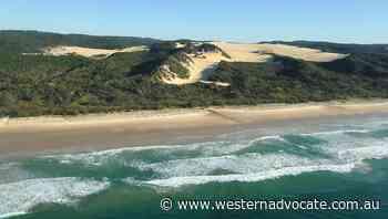 Bushfire closes Fraser Island to tourists - Western Advocate