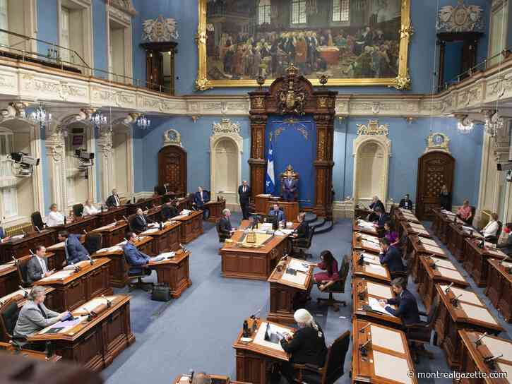 Coronavirus live updates: National Assembly air is much healthier than that in schools, Québec solidaire says