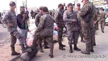 Camión del Ejército que trasladaba víveres cayó a un barranco - canalantigua.tv