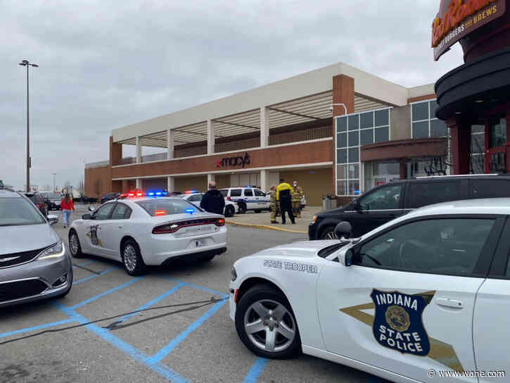 Shoppers asked to leave mall as police respond to situation