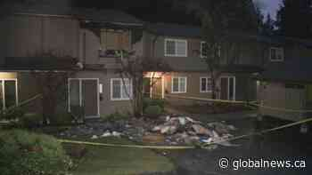 Fire breaks out at North Vancouver townhouse complex
