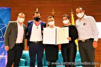 Chía recibió la condecoración 'Orden Policarpa Salavarrieta' - Extrategia Medios