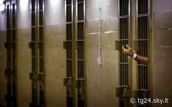 Augusta, trovati cellulari e droga nel carcere - Sky Tg24