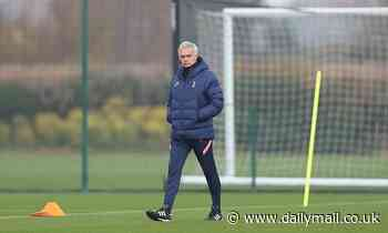 Jose Mourinho launches mind games on Frank Lampard by insisting title pressure is on Chelsea