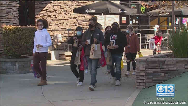Shoppers Flock To Roseville Galleria For Black Friday Amid Pandemic