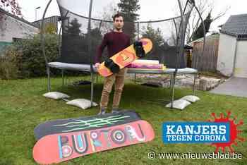 """Olivier (36) heeft oplossing voor wintersporters die niet met vakantie kunnen: """"Zo kan iedereen thuis oefenen zonder sneeuw""""<BR />"""