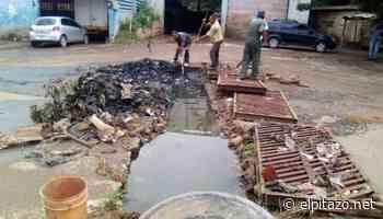 Vecinos de Altagracia de Orituco en Guárico destapan cloaca colapsada - El Pitazo