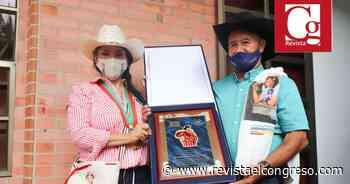 Concejales de Aguazul condecoraron a Amanda Rocío por la millonaria gestión para el Municipio - Congreso de la República