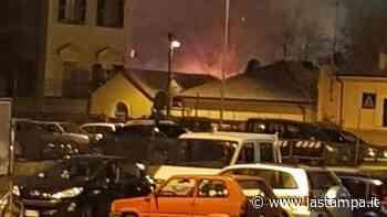 Savona, notte di incendi: bruciati cassonetti e fiamme nei giardini - La Stampa