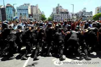 Fuerte polémica entre la Nación y CABA por los disturbios en el funeral de Diego - Diario NORTE