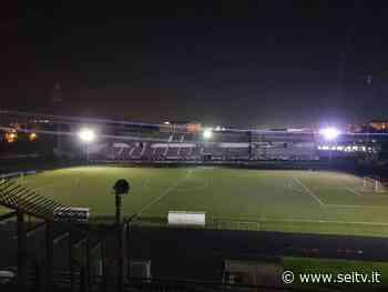 Battipaglia, anche allo Stadio Pastena e al Sant'Anna luci accese in onore di Maradona - SeiTV