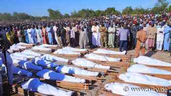 Bewaffnete auf Motorrädern: Mehr als 100 Tote bei Massaker in Nigeria