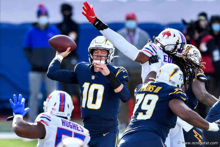 Live updates: Herbert struggling, Chargers trail Bills 17-6 at halftime