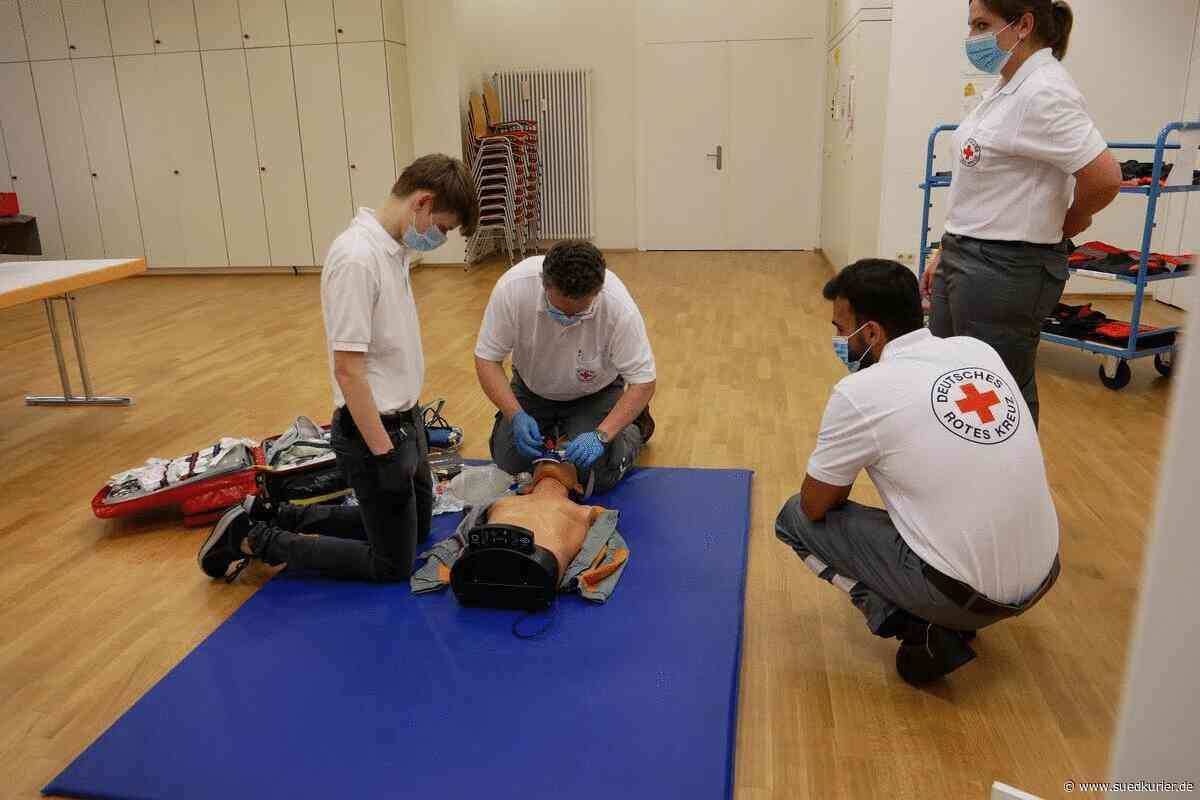 Friedrichshafen/Immenstaad: Wie proben Feuerwehr, Rotes Kreuz und Technisches Hilfswerk in Corona-Zeiten für den Ernstfall? - SÜDKURIER Online