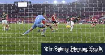Cavani double fires Manchester United to a comeback win at Southampton