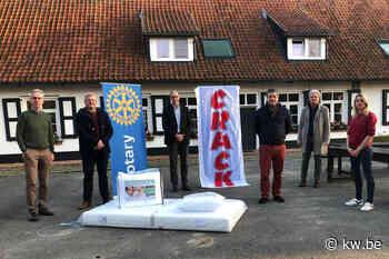 Rotary Ieper schenkt matrassen en donsdekens aan vzw De Walhoeve