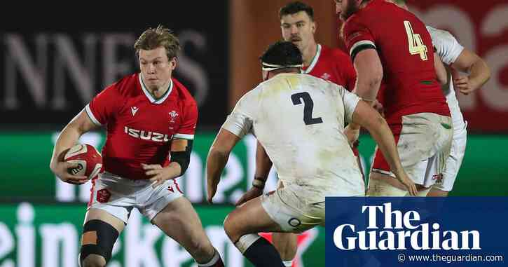 Wales's Nick Tompkins blames new rules for making it 'harder to attack'