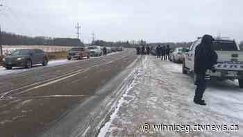 One person fined after RCMP block drive-in church service near Steinbach, Man.