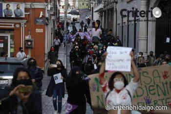 Marchan feministas contra de la violencia hacia mujeres, en Pachuca - Criterio Hidalgo