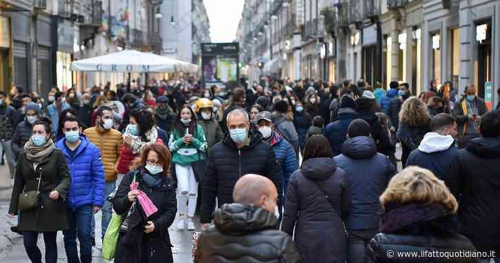 In Edicola sul Fatto Quotidiano del 30 Novembre: Shopping, cambiano i colori e tornano gli assembramenti