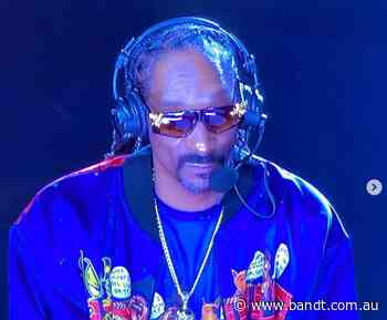 """""""This Sh*t Like Two Of My Uncles Fighting At The BBQ!"""": Snoop Dogg's Commentary Wins The Tyson Fight"""