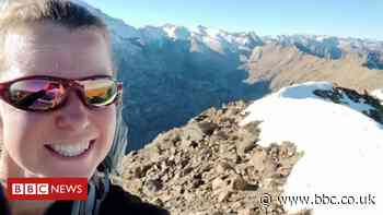 Esther Dingley search: Six teams look for her in Pyrenees