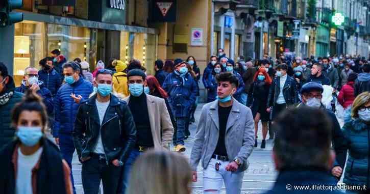 """Shopping di Natale, Cirio: """"Assembramenti inaccettabili, non possiamo tornare all'estate"""". Galli: """"Con liberi tutti fatale la terza ondata"""""""