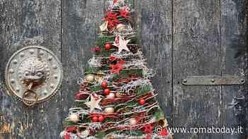 Natale in una casa piccola: idee per alberi di Natale in miniatura