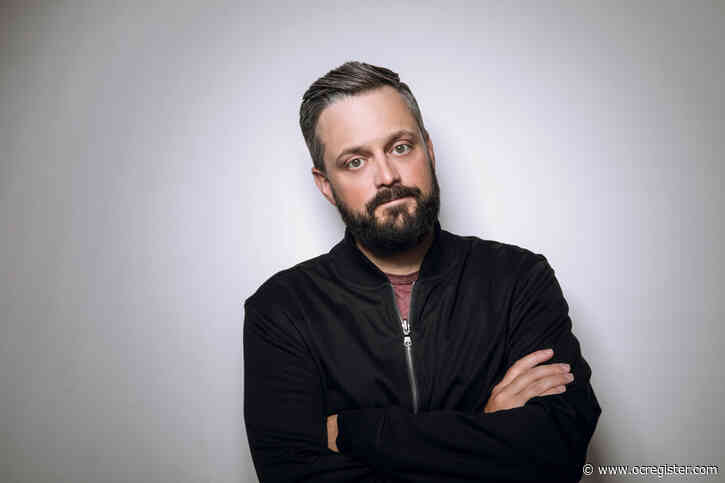 Comedian Nate Bargatze talks honking fans, his magic dad and clean podcast ahead Anaheim drive-in show